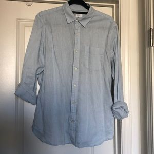 GAP light blue button down long sleeve shirt SizeM